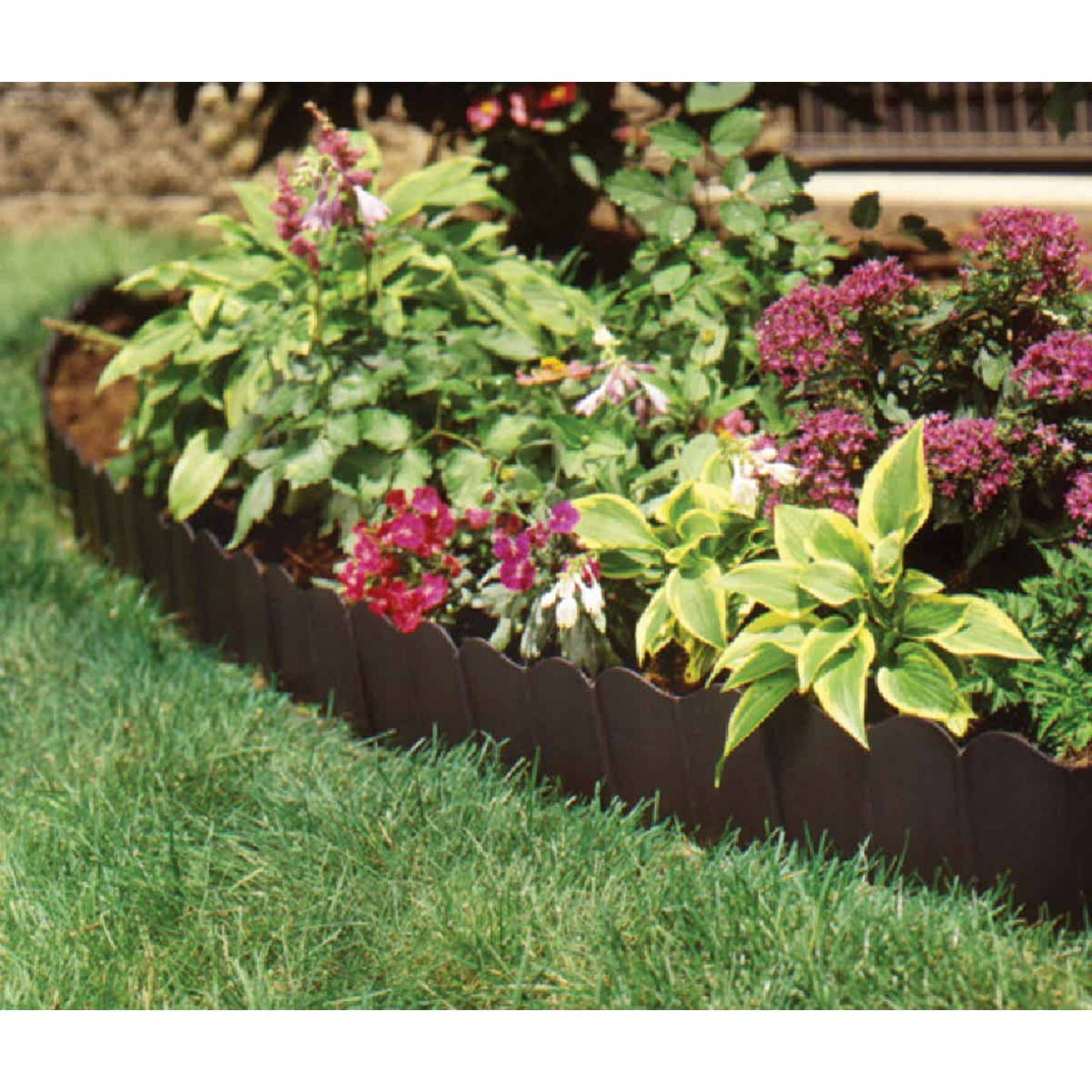 Suncast Eco Edge 6 In. H. x 20 Ft. L. Black Vinyl Lawn Edging Image 1
